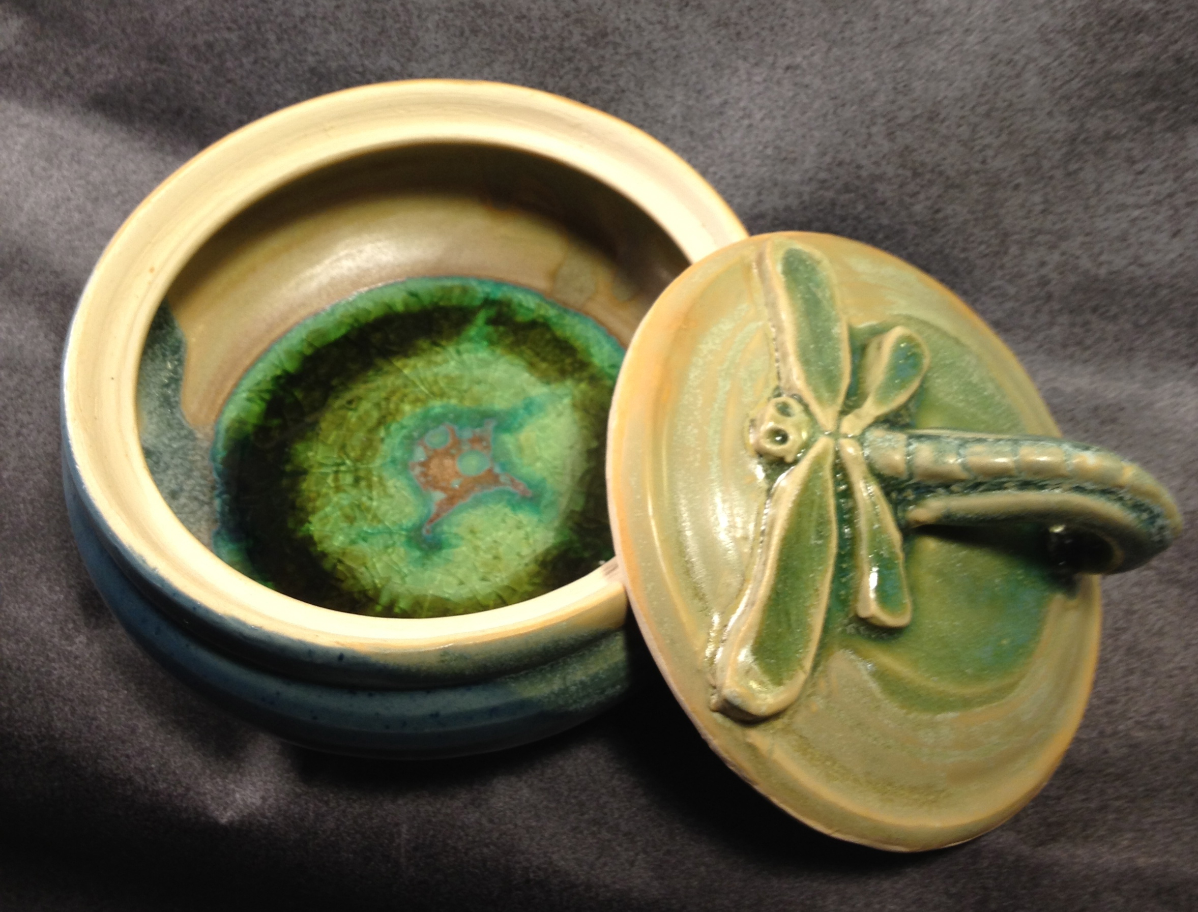 Lidded pot with Dragonfly handle