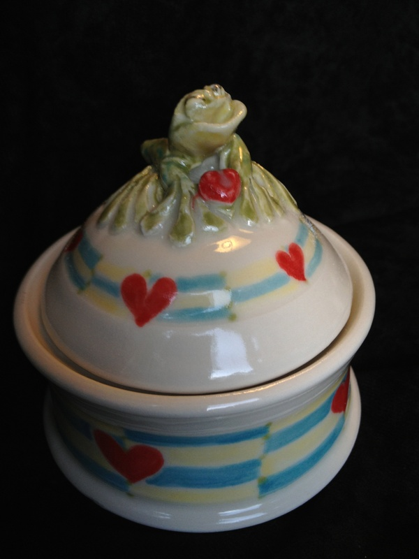 Heart Frog Wish Pot