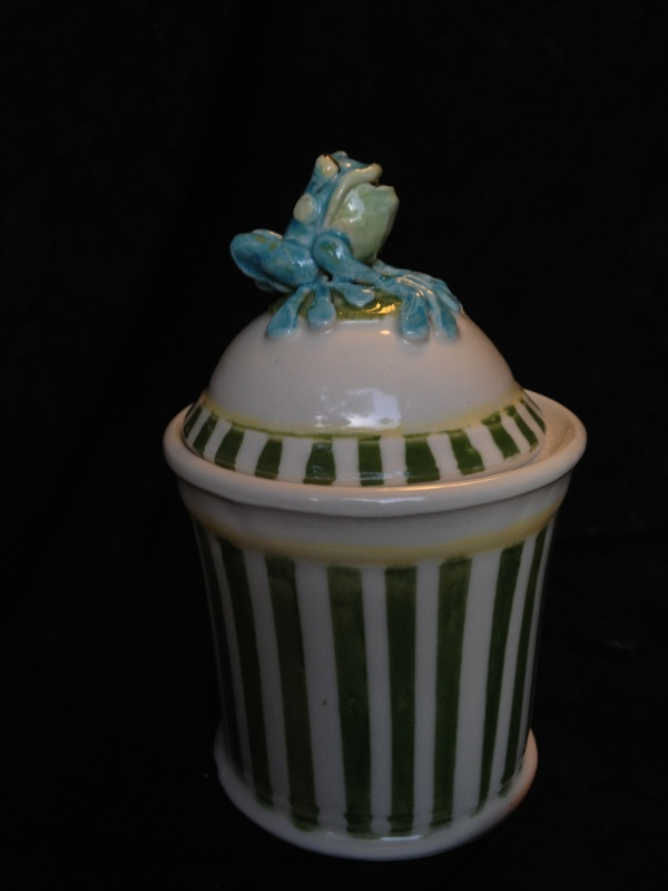 Frog Wish pot with stripes