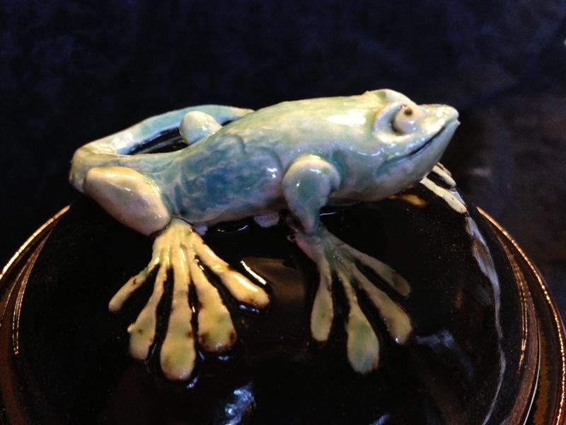 Lizard Wish Pot Detail